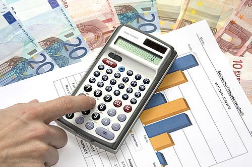 Die richtige Finanzierung finden. Foto: Thorben Wengert / pixelio.de