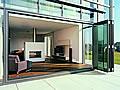 Drinnen oder draußen? - Mit Glas-Faltwänden fließende Übergänge schaffen
