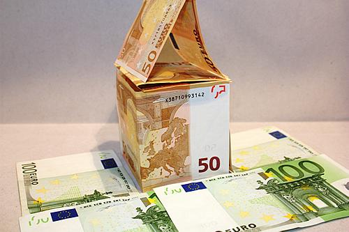 Wie bekomme ich einen passenden Kredit für mein Eigenheim? - Foto: Benjamin Klack / pixelio.de
